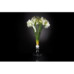 Букет лилий в стеклянной вазе