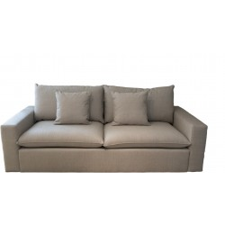 SETTLE COUCH